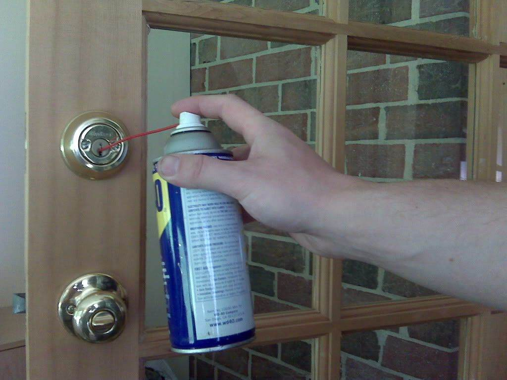 Reno locksmith lock lubrication