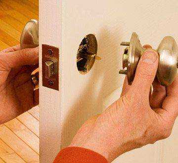 Locksmith in Reno lock installation